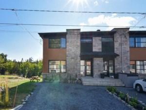 18953094 - Maison à étages à vendre