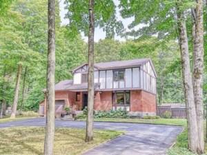 20283899 - Maison à étages à vendre