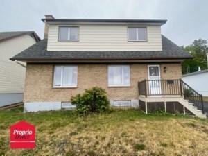 23986937 - Maison à étages à vendre