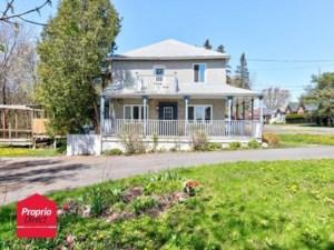 17704303 - Maison à étages à vendre