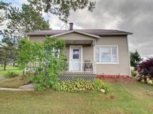 20221874 - Maison à étages à vendre