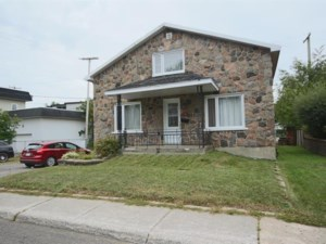 21161600 - Maison à étages à vendre