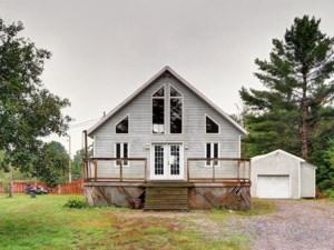 9965516 - Maison à étages à vendre