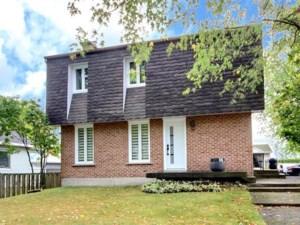 21473357 - Maison à étages à vendre
