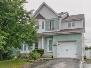 13700726 - Maison à étages à vendre