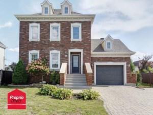 27374193 - Maison à étages à vendre
