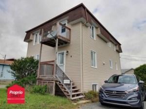 22463908 - Maison à étages à vendre