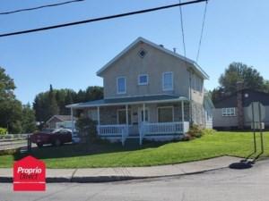 16792259 - Maison à étages à vendre