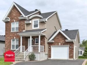 24254856 - Maison à étages à vendre