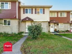 28284015 - Maison à étages à vendre