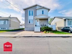 10695902 - Maison à étages à vendre