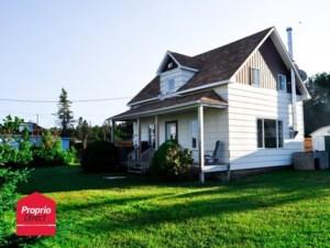 21959906 - Maison à étages à vendre