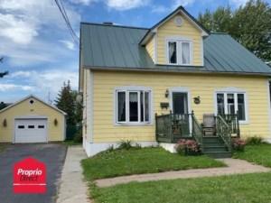 19172784 - Maison à étages à vendre