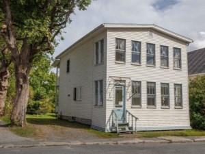 10357024 - Maison à étages à vendre