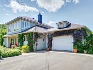 27161842 - Maison à étages à vendre