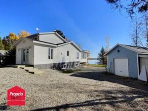 22013596 - Maison à étages à vendre