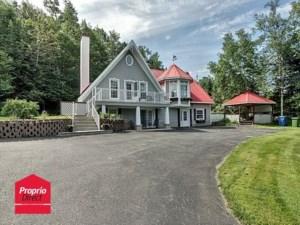 23167216 - Maison à étages à vendre