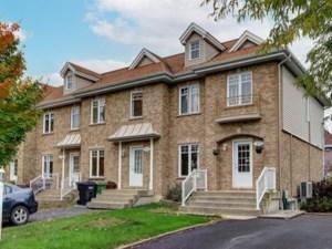 24598986 - Maison à étages à vendre