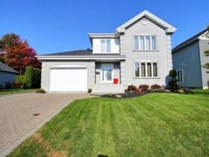 25978646 - Maison à étages à vendre