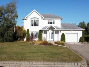 24239167 - Maison à étages à vendre