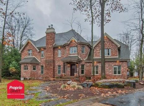 24896680 - Maison à étages à vendre